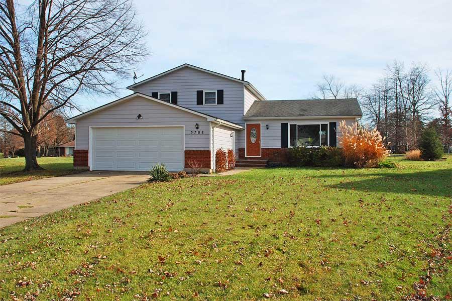 Aurora Shores Ohio Waterfront Home For Sale