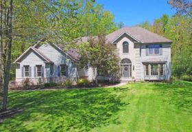 16730 Lucky Bell Lane, Chagrin Falls, OH 44023