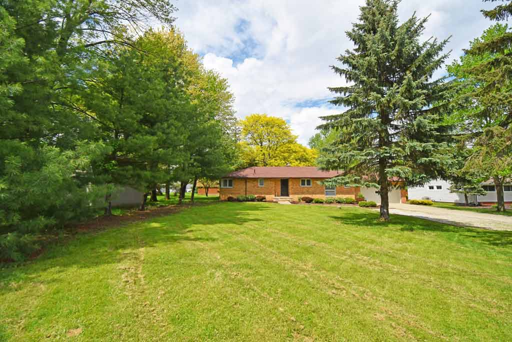 2521 Woodview Drive, Broadview Heights, OH 44147