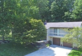 7004 Donna Rae Drive, Seven Hills, OH 44131