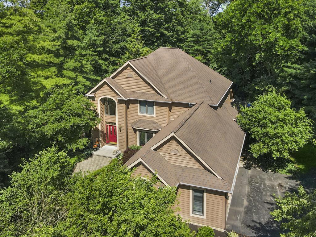 17434 Lakesedge Trl, Chagrin Falls, OH 44023